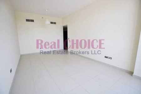 2 Bedroom Flat for Rent in Al Mina, Dubai - 2BR + Maids   Great Price   Spacious Layout