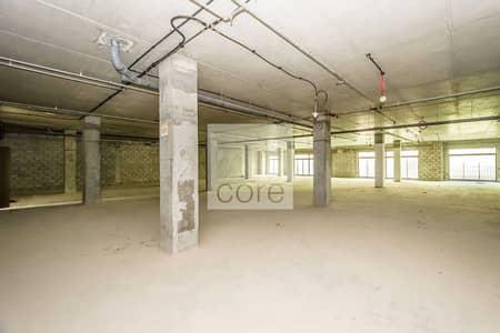 مکتب  للايجار في نخلة جميرا، دبي - Shell and core office in Golden Mile Galleria