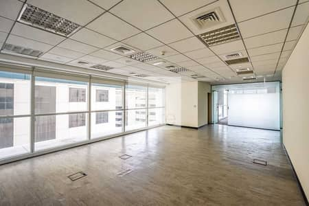 مکتب  للايجار في شارع الشيخ زايد، دبي - Ideally Located   Available Fitted Office