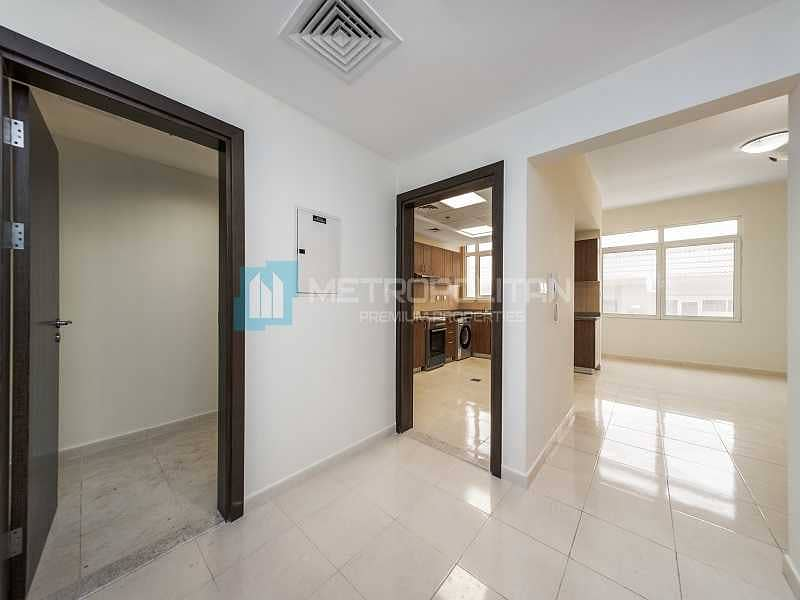 Brand new Apartment   Unfurnished   Community View