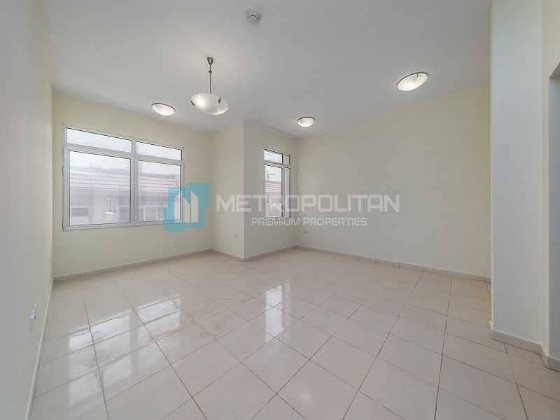 2 Brand new Apartment   Unfurnished   Community View