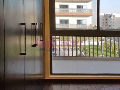 فلیٹ 2 غرفة نوم للبيع في الفرجان، دبي - 2 BR Apartment View Of The Pool Good Investment