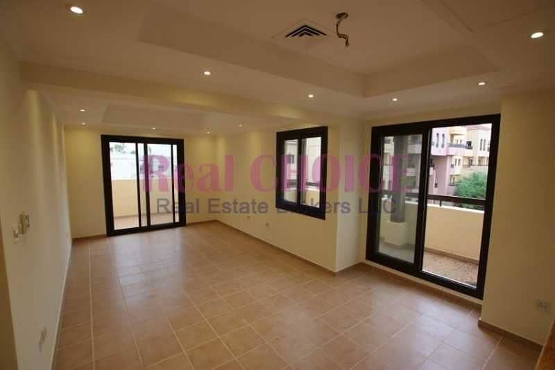 12 cheques payment   2bedroom apartment