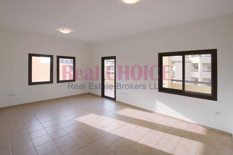 Big 1bedroom apartment with 12 cheques and no commissions