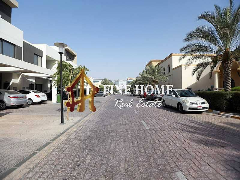 2 Villa | 5 BR | Terrace | Guest Room