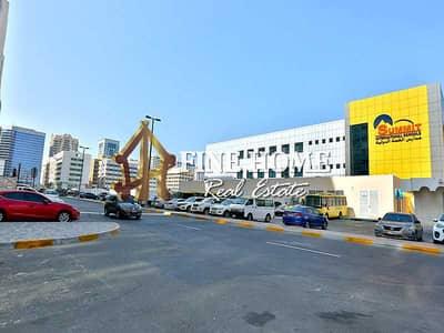 مبنی تجاري  للبيع في شارع النجدة، أبوظبي - Commercial Tower | 18 Floors | Basement