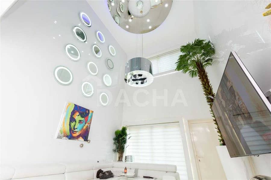31 Extremely Rare / Fully Upgraded / 1 Bed Townhouse