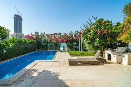 5 Bedroom Townhouse for Sale in Palm Jumeirah, Dubai - Prestigious: 5 BED Ultra Desireable Beach Home