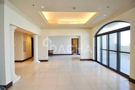 3 Bedroom Penthouse for Rent in Palm Jumeirah, Dubai - Upgraded 3br+M / Vacant / Unfurnished