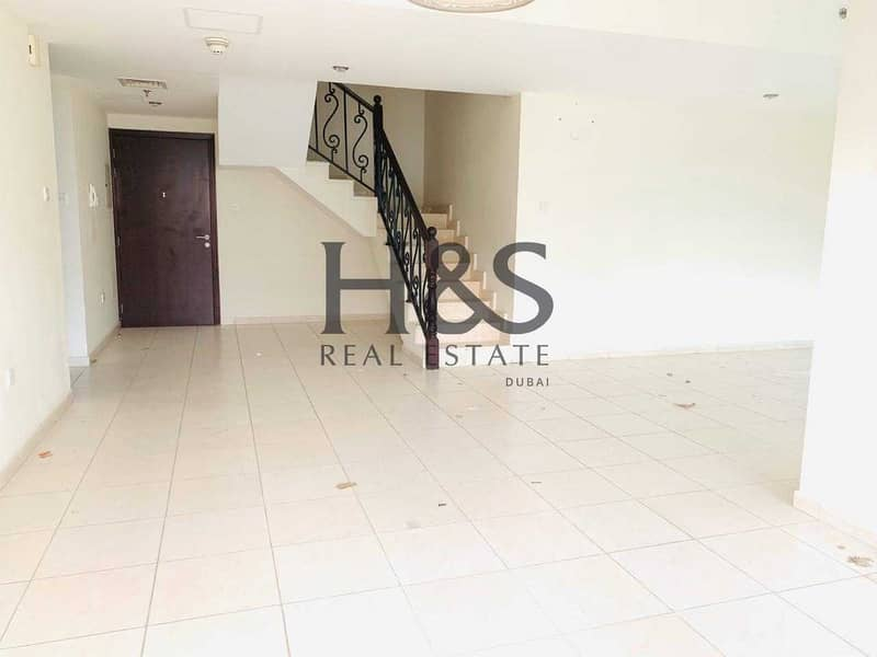 2 Pool View I Spacious 3 Beds Duplex I Royal Residence