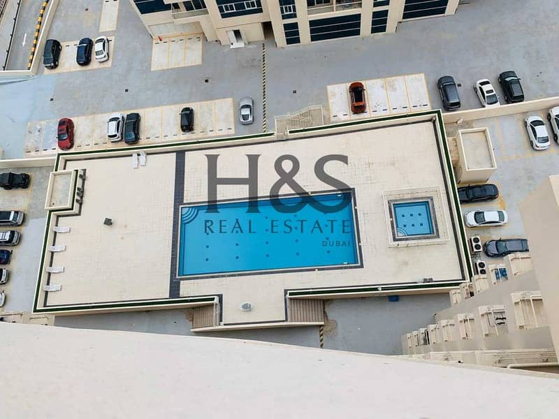 10 Pool View I Spacious 3 Beds Duplex I Royal Residence
