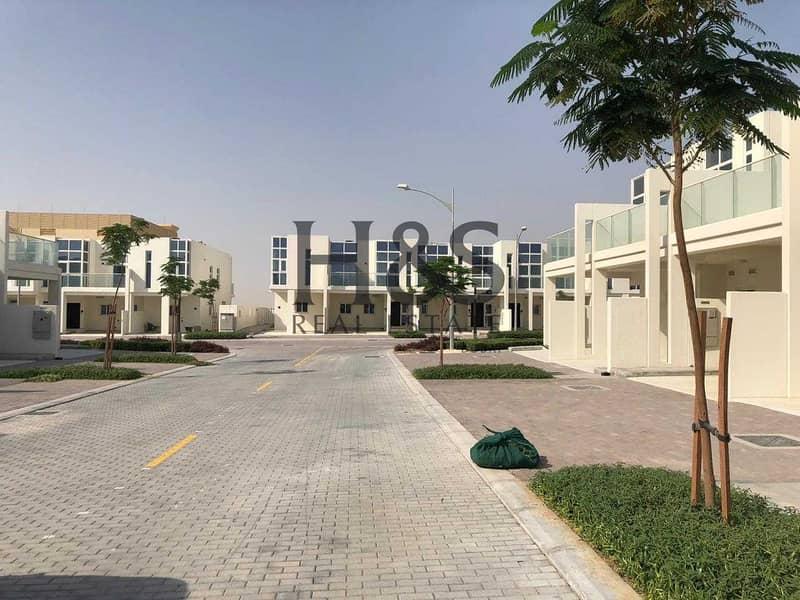 12 Modern Style Villa I Furnished - End Unit I 3 Beds + Maid