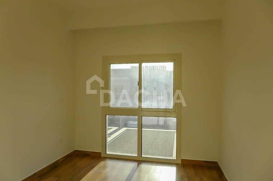 10 Single Row / 2 bedrooms + maids
