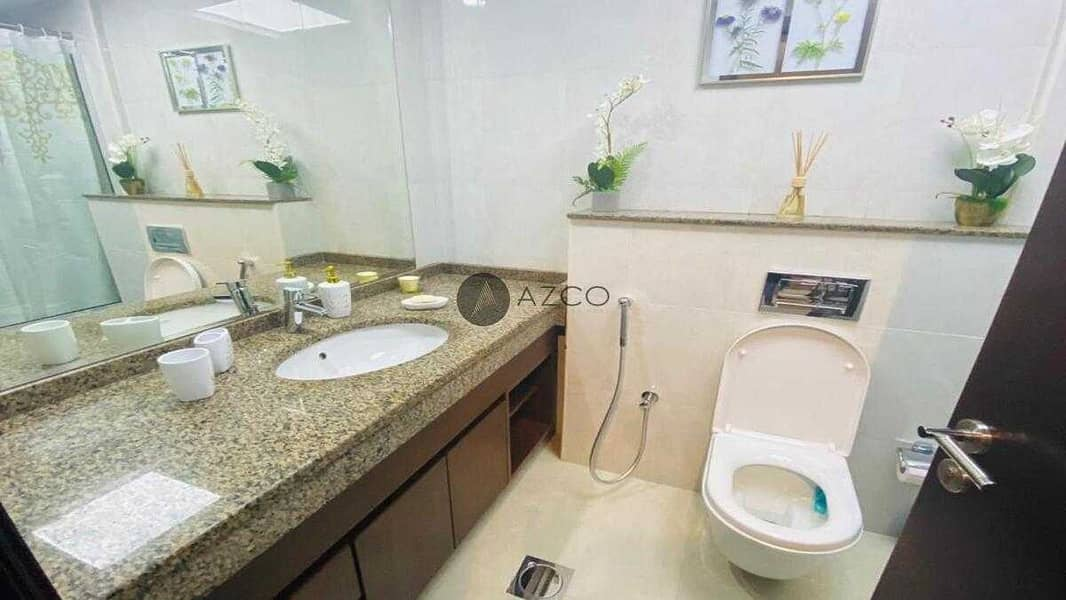 10 Fully Furnished   Bright Interiors   Pool view