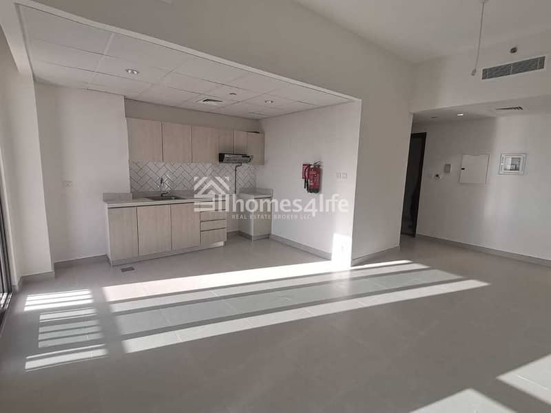 NO COMISSION : BRAND NEW  1 BEDROOM : MULTIPLE CHEQUES