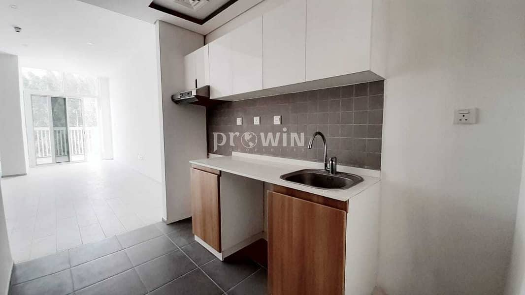 MIRACLE GARRDEN VIEW CLOSED TO EXIT  45 DAYS FREE!!  BUILT-IN WARDROBES   ATTACHED  BALCONY FLEXIBLE CHEQUES!!!