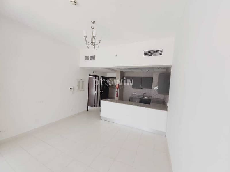extra large 2bedroom| Dewa Building | Flexible Payments