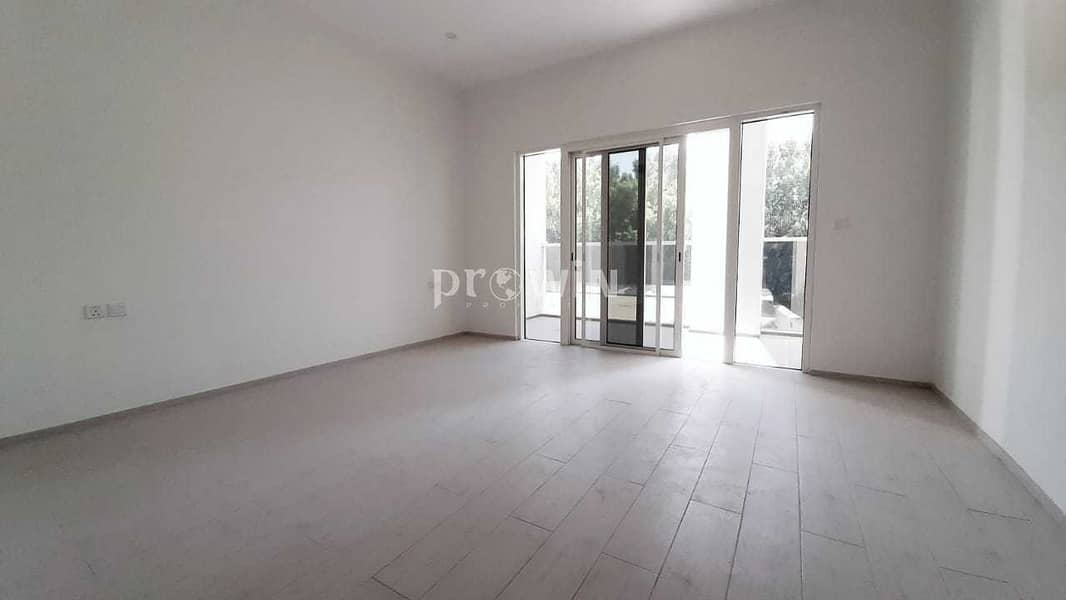 SPACIOUS STUDIO ATTACHED BALCONY BUILT-IN WARDROBE