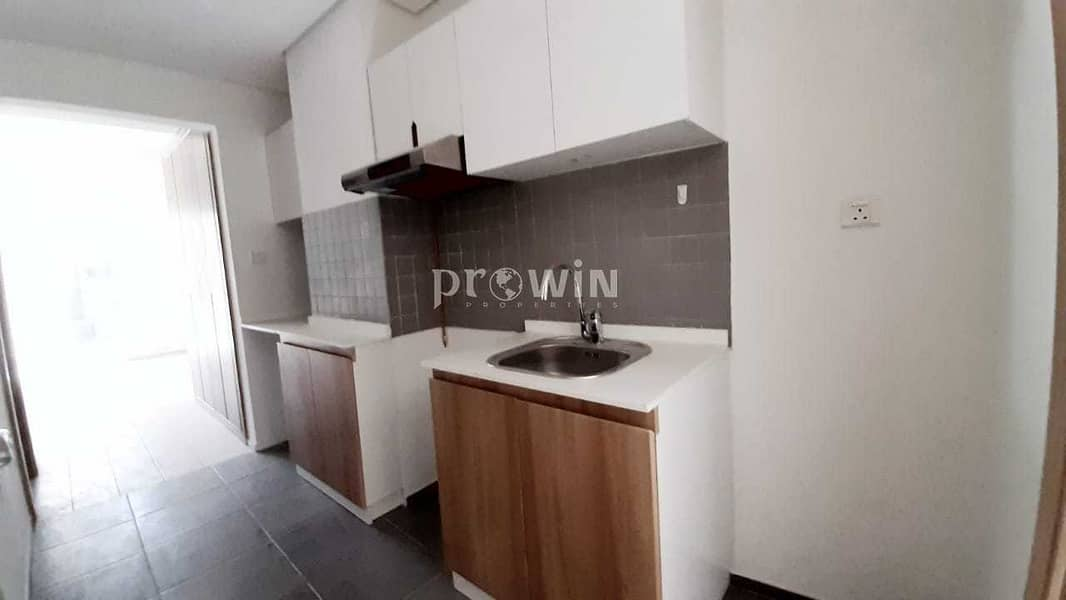 2 SPACIOUS STUDIO ATTACHED BALCONY BUILT-IN WARDROBE