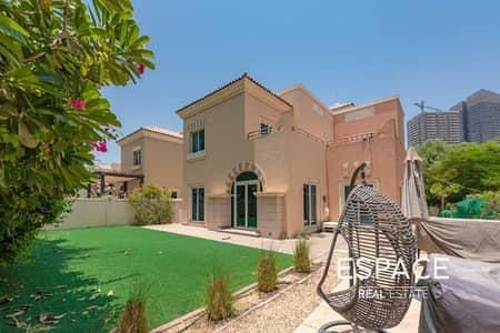 فیلا 4 غرف نوم للبيع في مدينة دبي الرياضية، دبي - Large Corner Plot VOT - C3 Close to Pool
