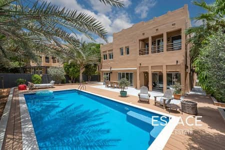 4 Bedroom Villa for Sale in The Lakes, Dubai - Stunning high end upgraded villa with private pool