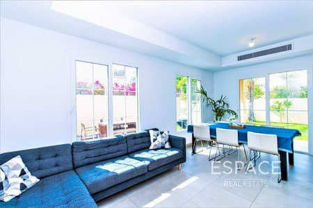 2 Bedroom Villa for Rent in The Springs, Dubai - Fitted Kitchen | Fully Upgraded | Available Now