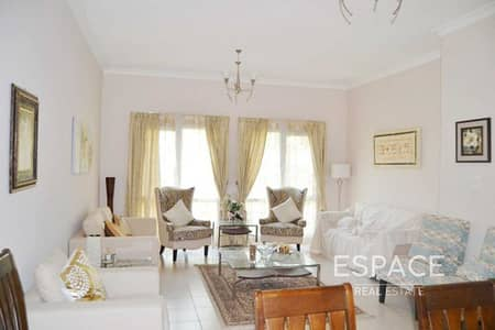 4 Bedroom Villa for Rent in The Meadows, Dubai - Well Maintained - Type 6 - Spacious Villa