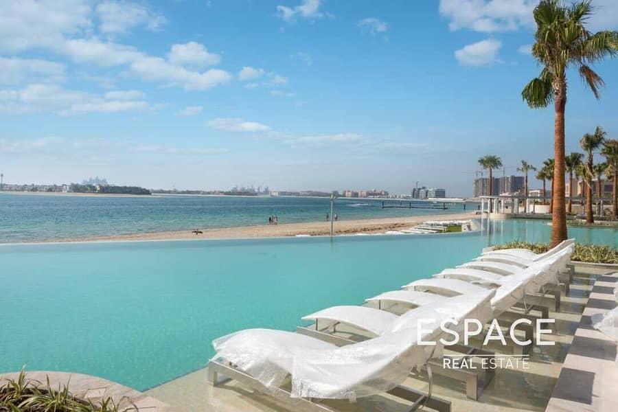 Spacious Beachfront Luxury Apartment