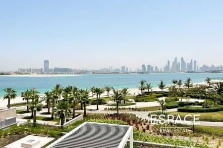 3 Bedroom Flat for Sale in Palm Jumeirah, Dubai - Genuine   Dubai Skyline View   Rare Unit