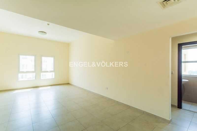 2 Investor Deal   High Floor   Closed Kitchen