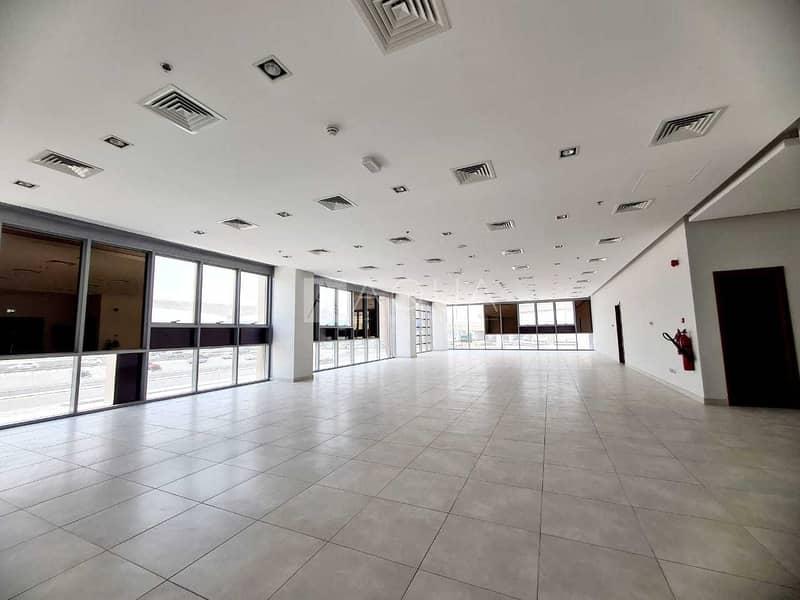 2 Premium Office   Open Space   Along SZR