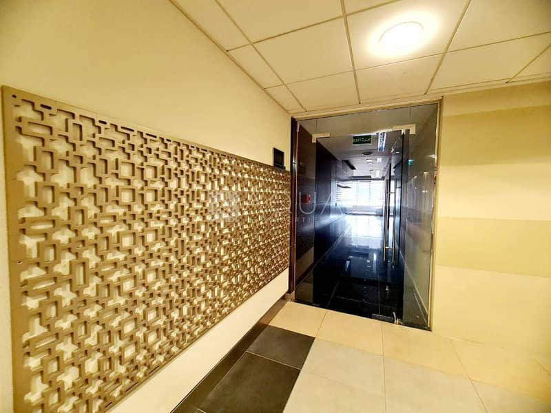 Good deal   Furnished   Partitioned office