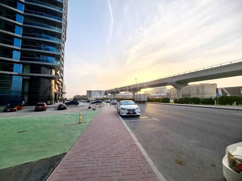 13 Fitted Showroom | Facing  Sheik Zayed Road