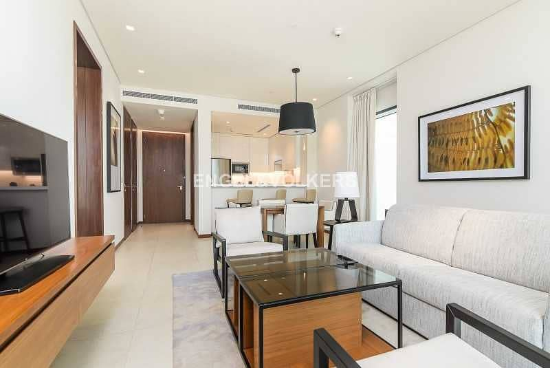 2 Fully Furnished  Luxurious   Spacious Layout