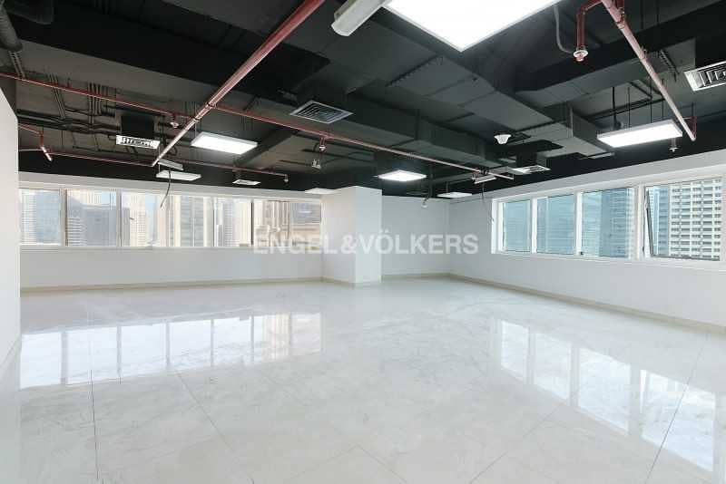 Exclusive    Luxury Fitted   Brand New   Vacant