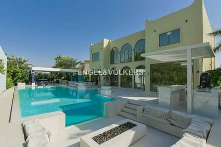 5 Bedroom Villa for Sale in Jumeirah Islands, Dubai - Exclusive | Fully Furnished and Upgraded
