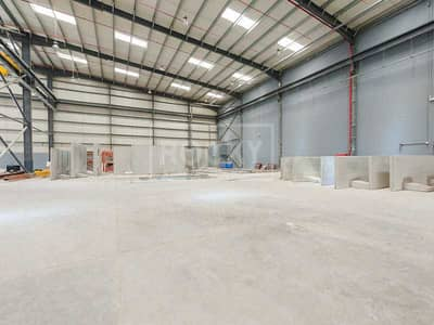Warehouse for Rent in Technology Park, Dubai - Warehouse  with 10Ton Cranes for Rent