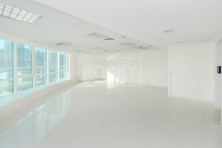 Office for Rent in Jumeirah Lake Towers (JLT), Dubai - Spacious Fitted Office   Open Layout   Close to Metro   DMCC