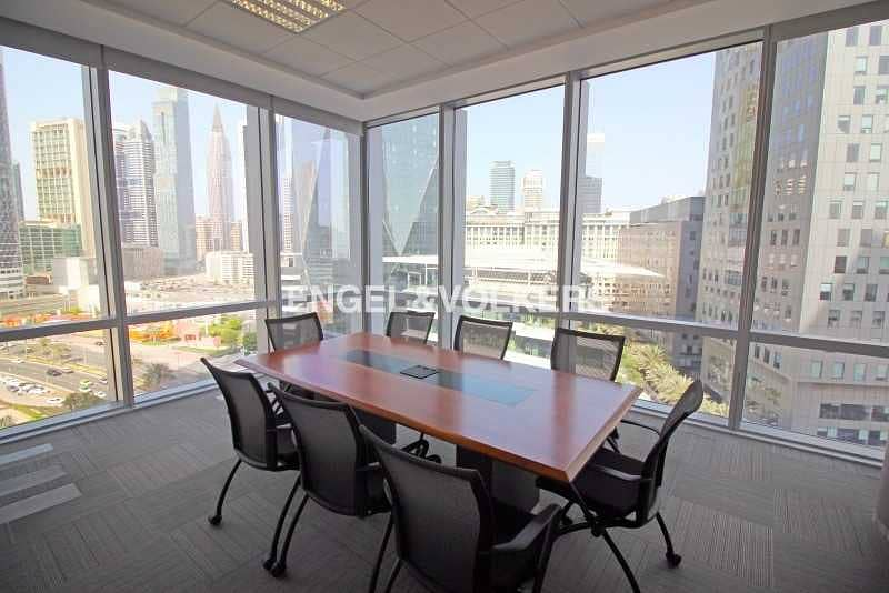 Corner Office Fitted and Furnished 5 Parkings