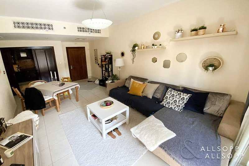15 One Bedroom | Yansoon | Community View