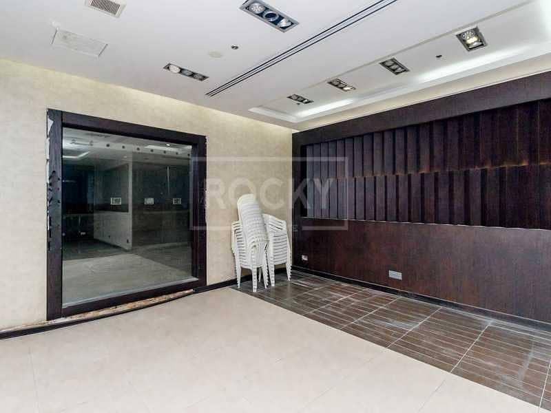 Spacious   Semi-fitted   Shop   Dubai Marina