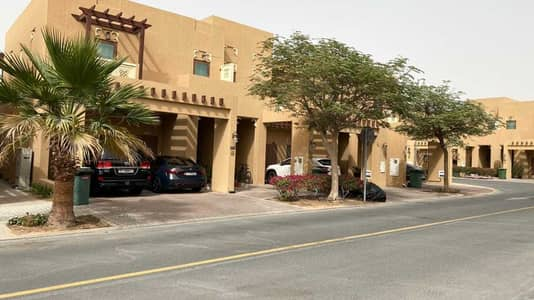 فیلا 3 غرف نوم للايجار في الفرجان، دبي - Beautiful 3 Bed plus Maids |End unit |Vacant soon