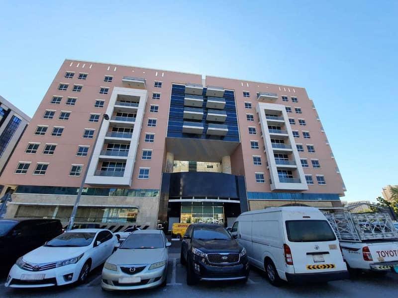 Biggest Hotel Available - In Murraqabat