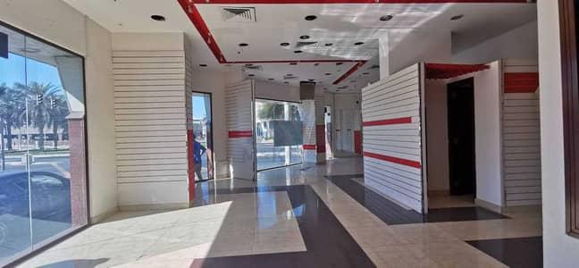 Shop for Rent in Bur Dubai, Dubai - Elegant Retail is Available - Prime Location