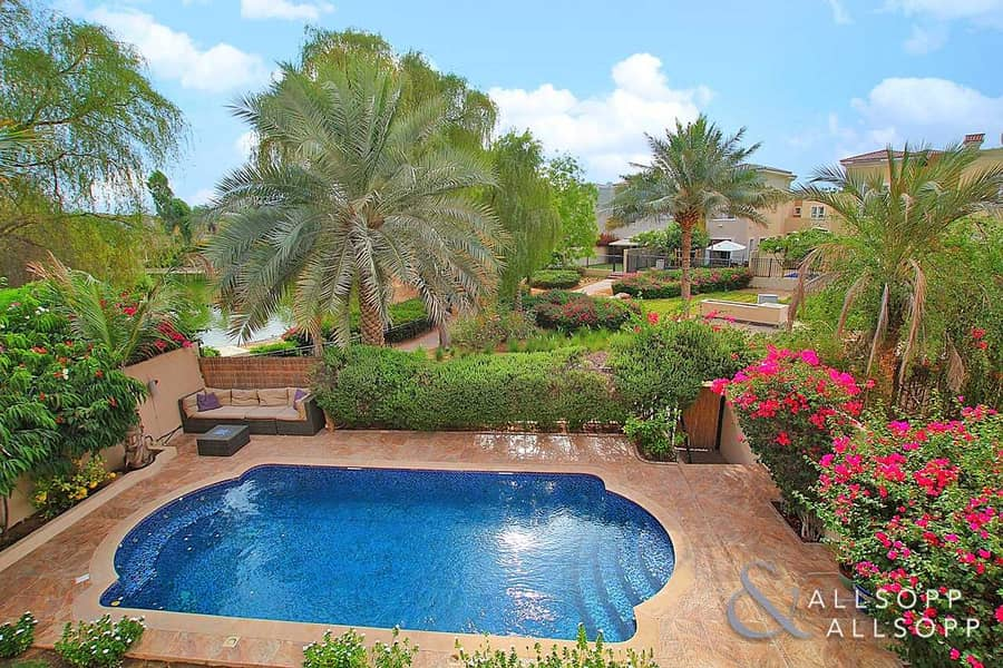 4 Bed | External Maids | Upgraded | Pool