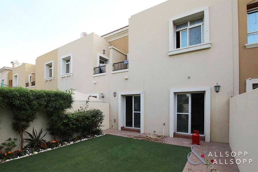 2 Bedrooms | Opposite Parks | Single Row