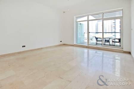 1 Bedroom Apartment for Sale in Dubai Marina, Dubai - One Bedroom   Immaculate   Large Balcony