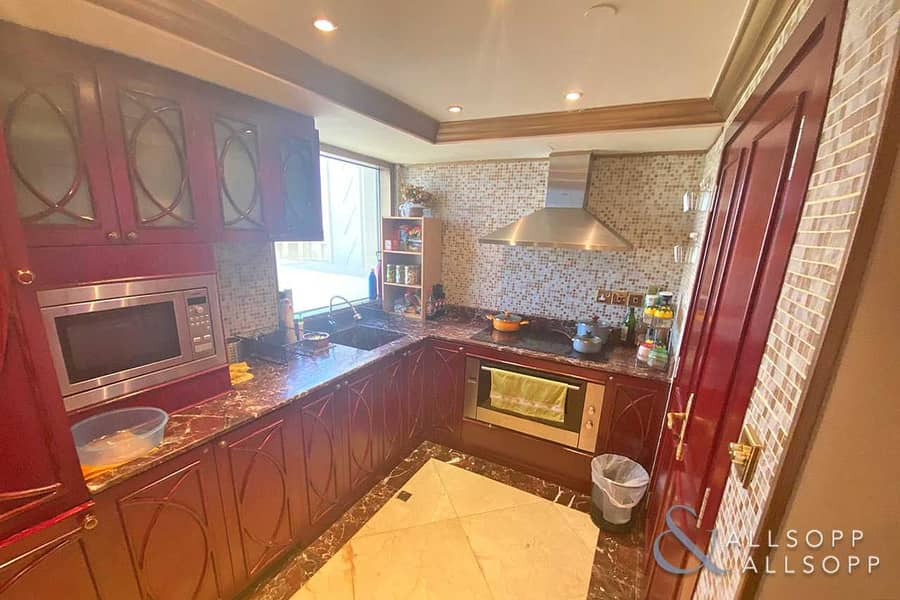 2 Full Sea View   Upgraded Duplex   3 Beds