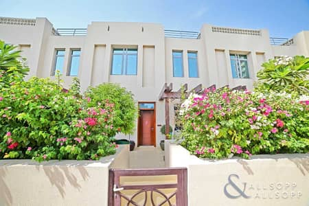 4 Bedroom Villa for Sale in The Views, Dubai - Upgraded | Spacious Townhouse | Golf View