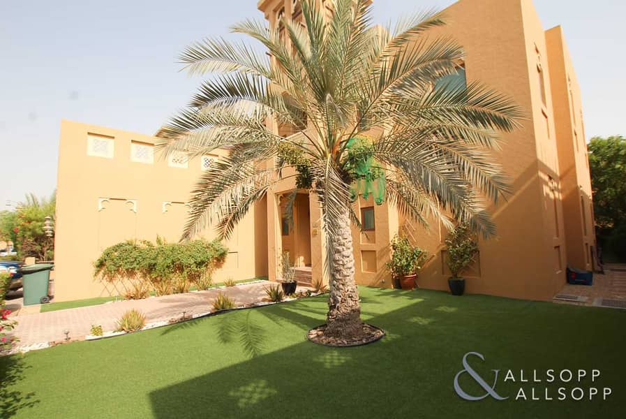 2 3 Bed Villa | Dubai Style | Coming Vacant
